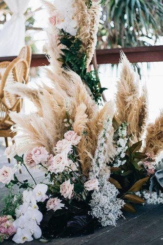 summer wedding trends bohemian pampass graa and roses decor figtreepictures
