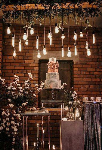 wedding splurges wedding cake decor with lamp kerrylu photographer
