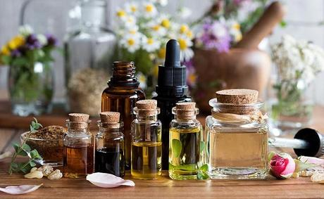 Essential Oil for Cold Sores: 7 Best Options Available