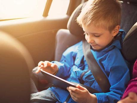 Rent a car Crete: stay safe with your kids with these useful tips