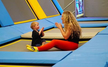 8 Benefits of trampolining for children