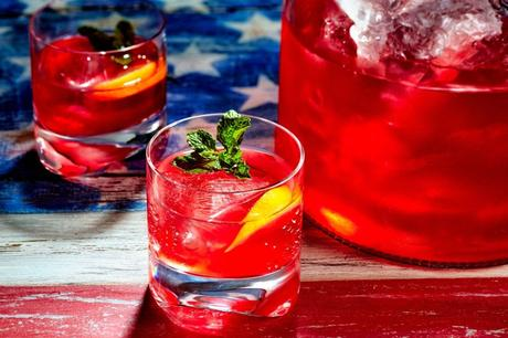 Kick off The Start Of Summer With These Memorial Day Cocktails