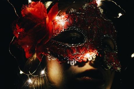 How To Dress For A Masquerade Ball