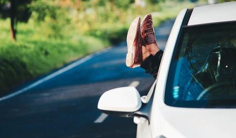 6 Essential Outdoor Things Must For Your Road Trip