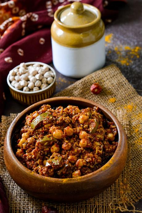 Gujarati Chana Methi Keri Pickle