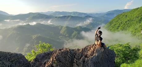 Reaching the summit of Mt. Hapunang Banoi (Amazing foggy views)
