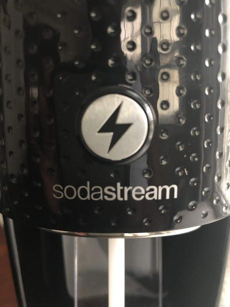 That Sparkle In Your Eye:  Soda Stream Fizzi One Touch