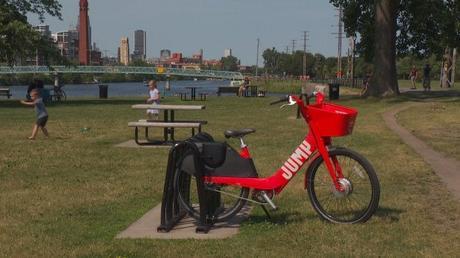 Uber's new electric bikes hit roadblocks in Montreal