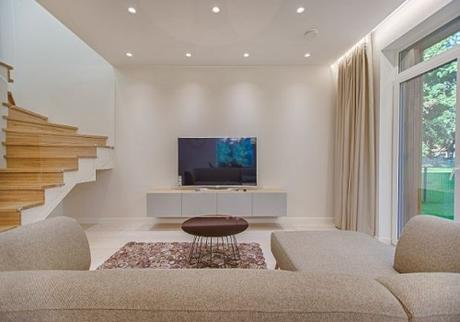 10 Tips on Creating a Minimalist Living Room Home Buyers Will Love