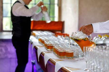 preparing welcome drinks for the wedding guest