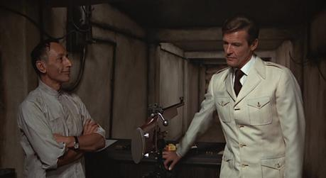 Bond's Cream Safari Jacket and Tie in The Man with the Golden Gun