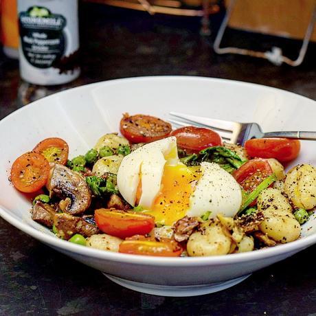 Recipe|| Garlic, Black Pepper Mushroom & Pea Gnocchi