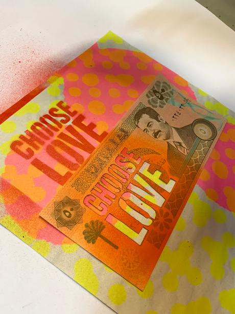 Turning Refugee Banknotes Into Art For Charity