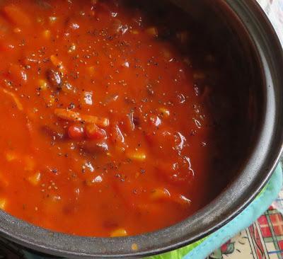 Hearty Tomato & Bean Soup