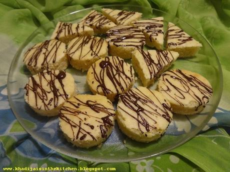 PETITES BOUCHÉES À LA LIME / LIME CAKE BITES / BOCADITOS DE PASTEL DE LIMA / حلويات صغيرة بمذاق الليمون الاخضر