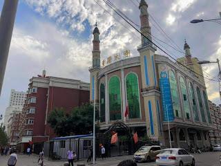 Urumqi, China: Bazaars, Uyghur Food & Mosques...