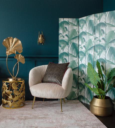 Pink and green living room inspiration with tropical wallpaper