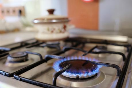 Gas Stove vs. Electric Stove: What Are the Pros and Cons of Each?