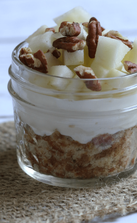 MINI CINNAMON STREUSEL APPLE CRUMB CAKE PARFAITS