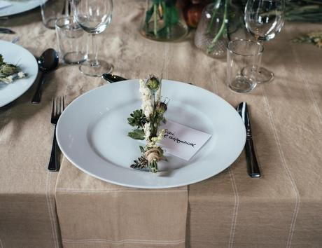 Wedding Meal Etiquette – A Crash Course for Dinner Do's and Don'ts