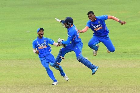 Atharva Anoklekar helps India defend small target and win title
