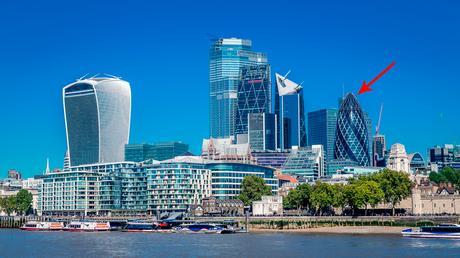 England, London, london highrises, London scyscrapers, london skyline, one day in london itinerary, things to do in england, things to do in london, travel to england, travel to london, gherkin, gherkin london
