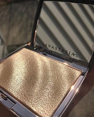 Amrezy Highlighter by Anastasia Beverly Hill Cosmetics
