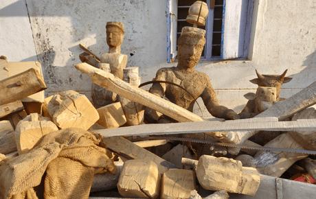 Kinnal craft: a heritage of wooden toys near Hampi