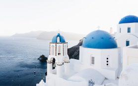 What should I know to rent a car in Greece?