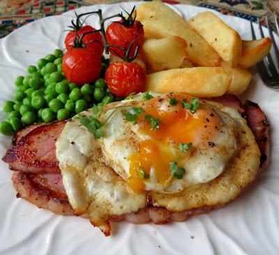 Gammon Steak, Egg & Chips