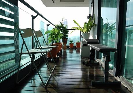Create an Open View with Glass Railings for Balconies