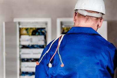 Electricians: know their roles and responsibilities