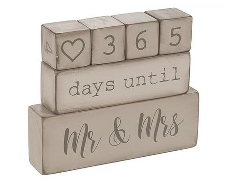 engagement party decorations wooden block wedding day countdown caledar