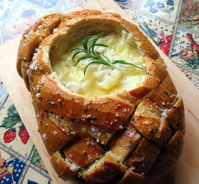 Gooey Tear & Share Cheesy Bread