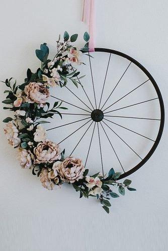 wedding ideas for summer wheel with flowers wedding decor