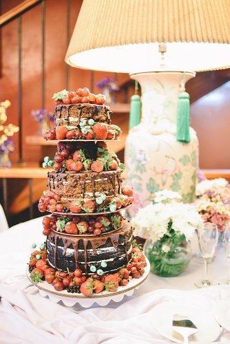 wedding ideas for summer wedding cake with strawberrie