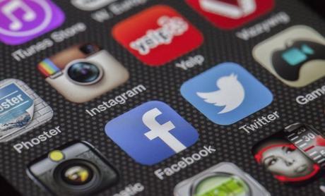 Entrepreneurs: Find and Reach Customers With The Right Social Media Strategy