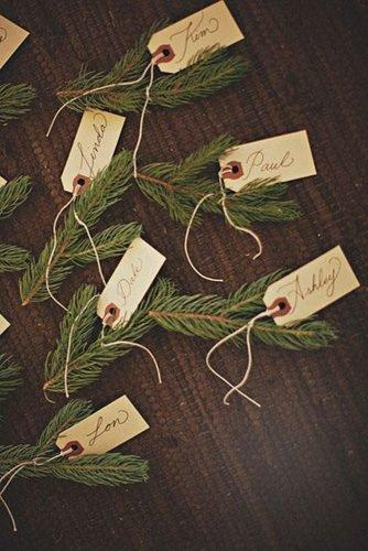 christmas wedding ideas guests place cards