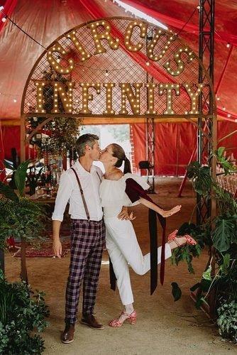 slow dance songs modern bride and groom kissing