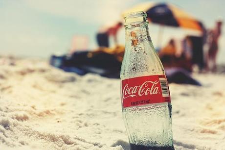 beach-ocean-cold-wine-vintage-sweet