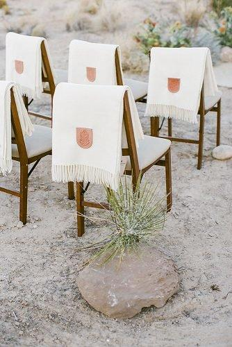 fall wedding party seating arrangement with blankets