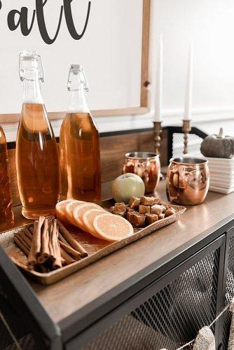 fall wedding party apple cider bar