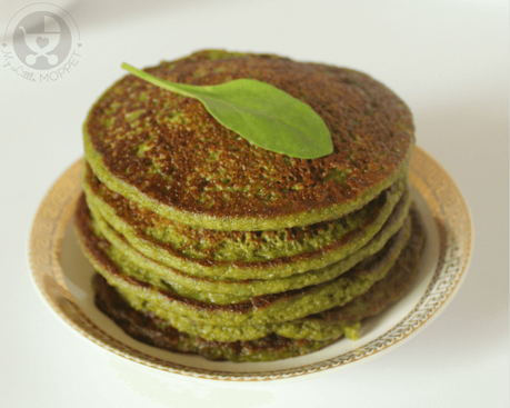 Give your baby a healthy, nutritious start to the day with these Spinach Oat Pancakes! They don't just look nice, they taste real good as well!