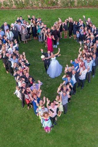 cute wedding ideas heart shaped wedding photo