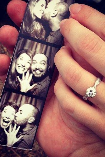 cute wedding ideas photobooth proposal photo