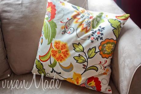 Simple Pillow Cover Tutorial