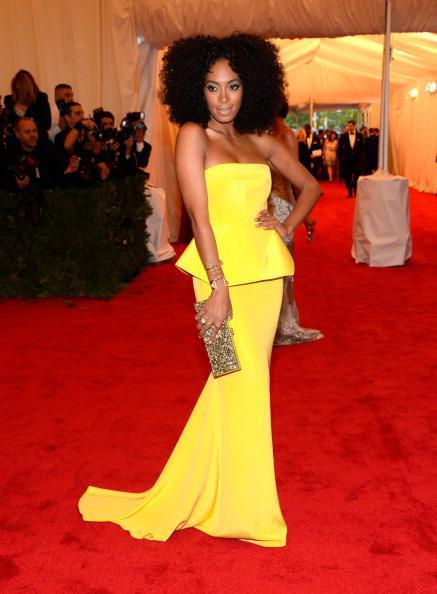 RED CARPET KINKS   Solange Rocks Big Curly Afro at the Met Gala 2012!