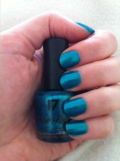 17 Fast Finish Nail Polish Review