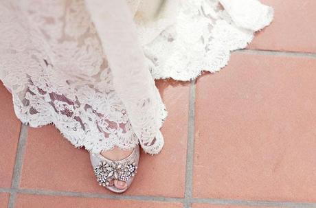 romantic Spanish inspired wedding on Green Wedding Shoes blog