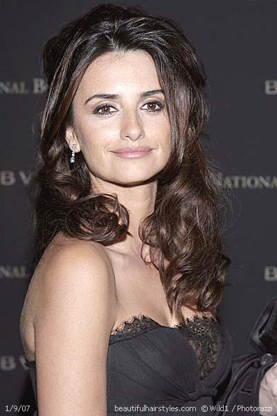 Penelope Cruz shines with the wrap-around style.